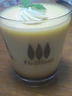 Flouronne(フルローネ)の蜂蜜プリン